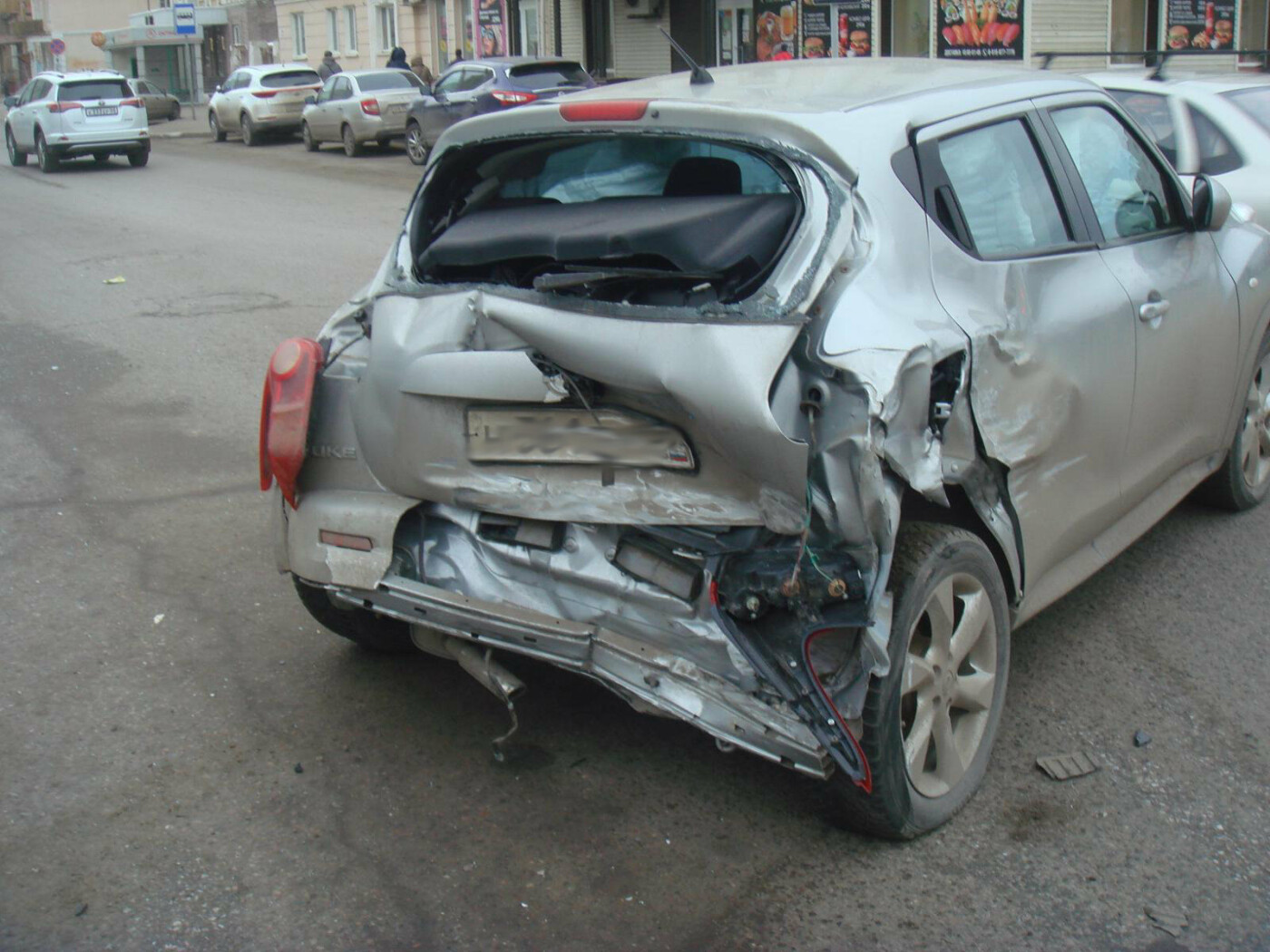 В центре Тамбова при столкновении «скорой» и двух легковушек пострадал 5-летний мальчик, фото-1
