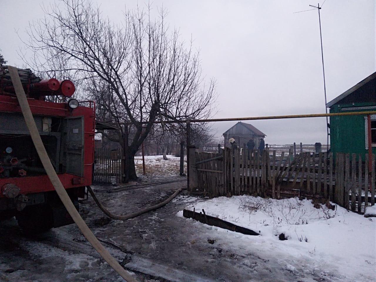 В Тамбовской области сгорел жилой дом: под завалами обнаружили тела двух человек, фото-2