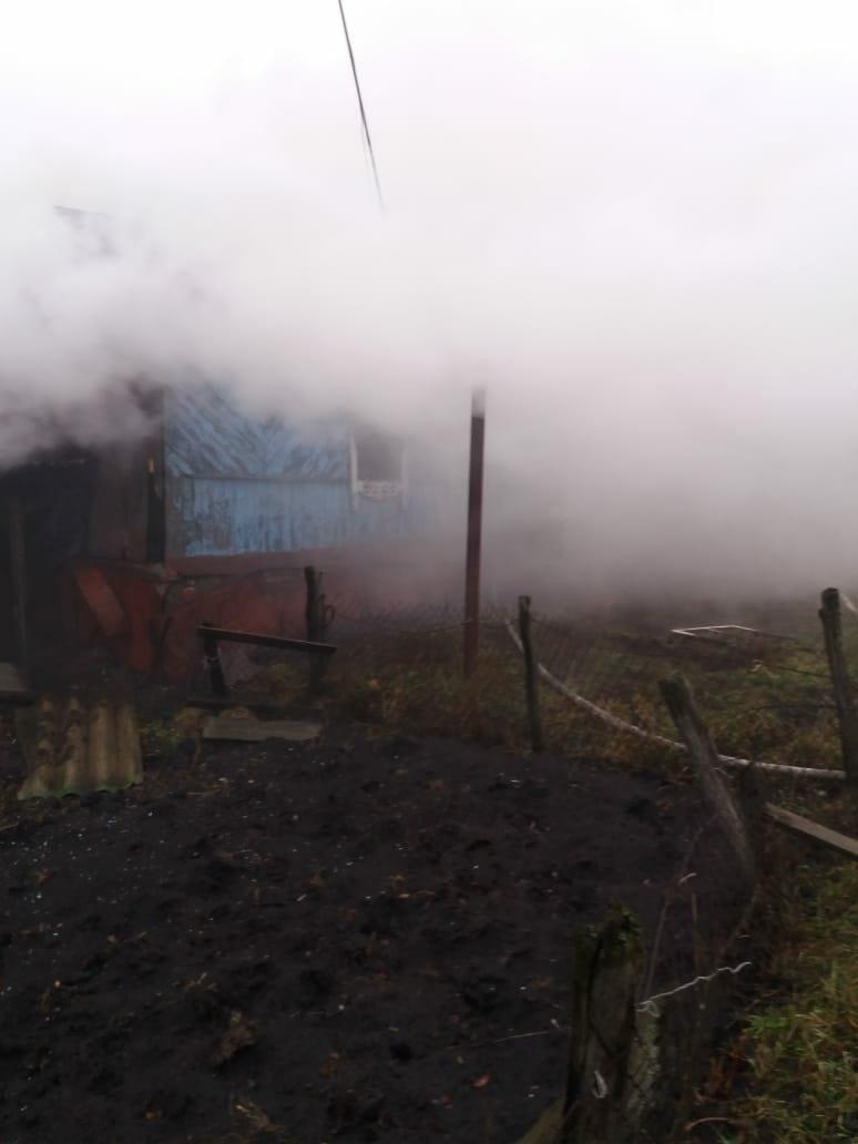 В Тамбовской области при пожаре погибла семья пенсионеров: они вернулись в горящий дом за документами, фото-1