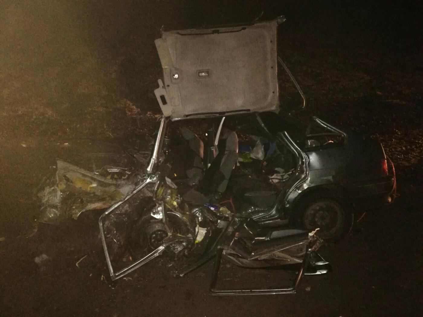 На трассе Р-22 «Каспий» под Тамбовом произошло тройное ДТП: два человека погибли, еще один госпитализирован, фото-1