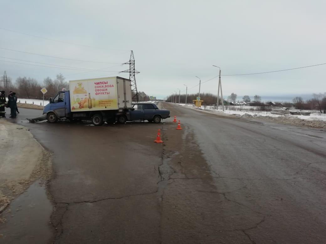 На трассе в Тамбовской области «ГАЗель» протаранила «семёрку»: есть пострадавшие, фото-1
