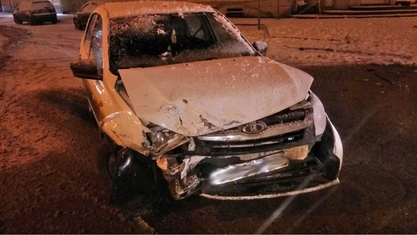 Ночью в центре Тамбова произошло ДТП с двумя пострадавшими, фото-1