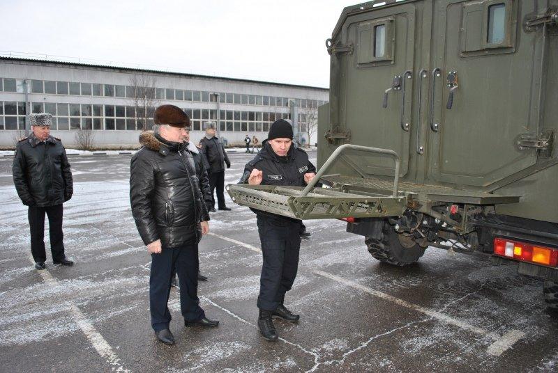 Тамбовские полицейские получили новую партию служебных машин: видео, фото-2
