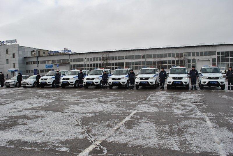 Тамбовские полицейские получили новую партию служебных машин: видео, фото-4