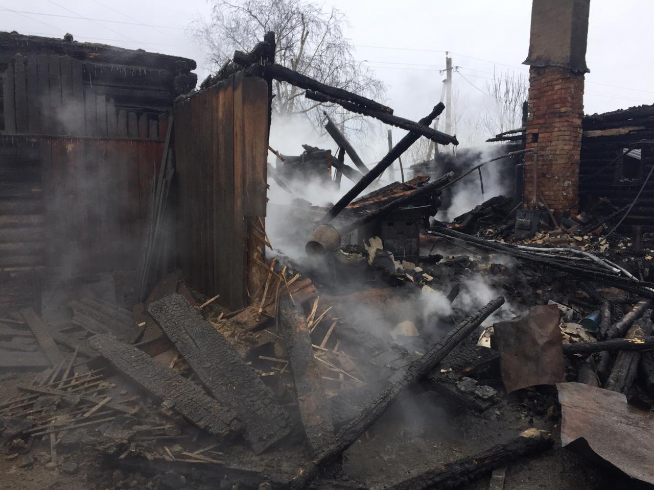 В Пичаевском районе под обломками сгоревшего дома обнаружили тела двух пенсионеров, фото-2