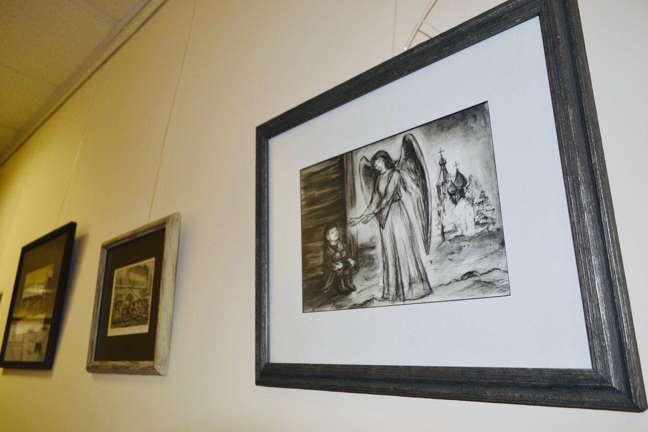 В Тамбовском филиале РАНХиГС открыли выставку картин Елены Дроковой, фото-2