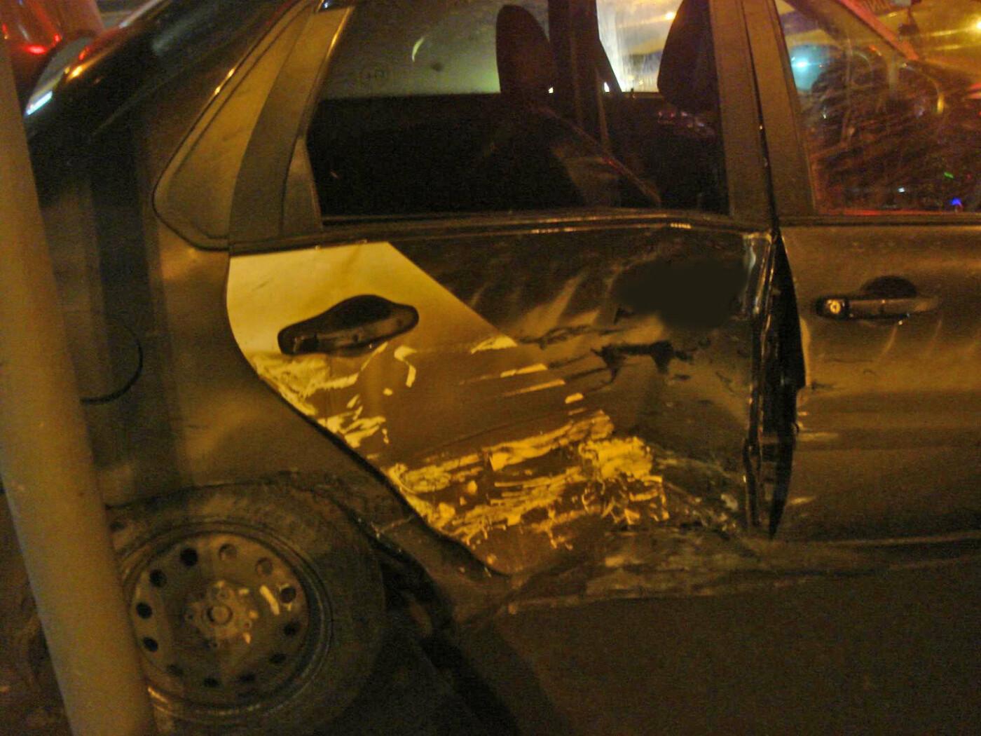 На центральной улице Тамбова столкнулись две иномарки: оба водителя в больнице, фото-2