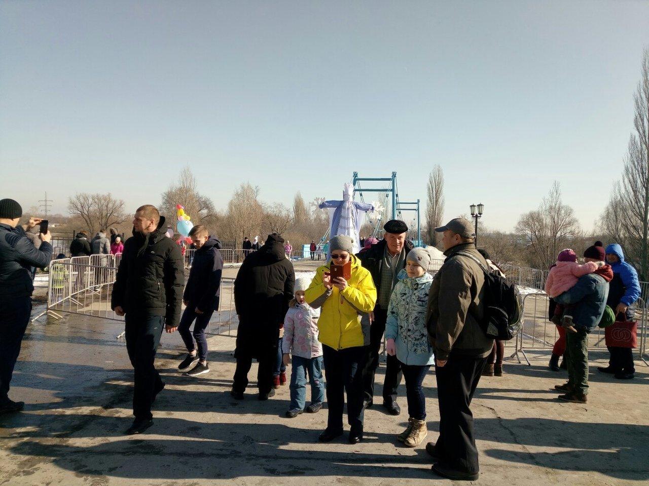 Тамбовчане проводили зиму массовыми гуляниями, фото-1