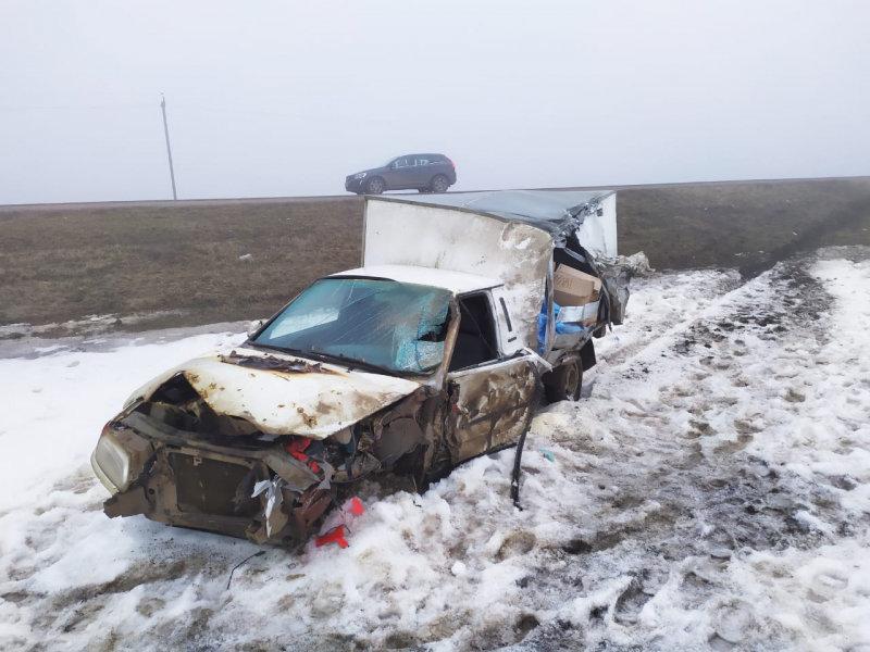 В Тамбовской области на трассе Р-22 из-за тумана произошло тройное ДТП, есть погибший, фото-1