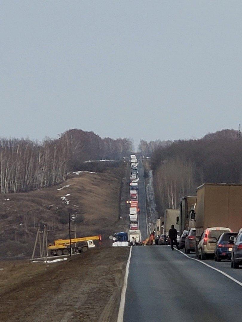 В Тамбовской области на трассе перевернулась фура, фото-1
