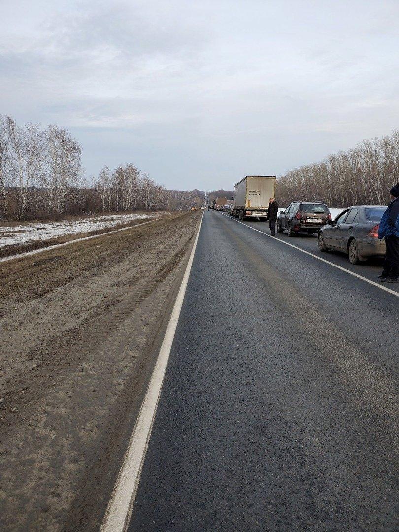 В Тамбовской области на трассе перевернулась фура, фото-2