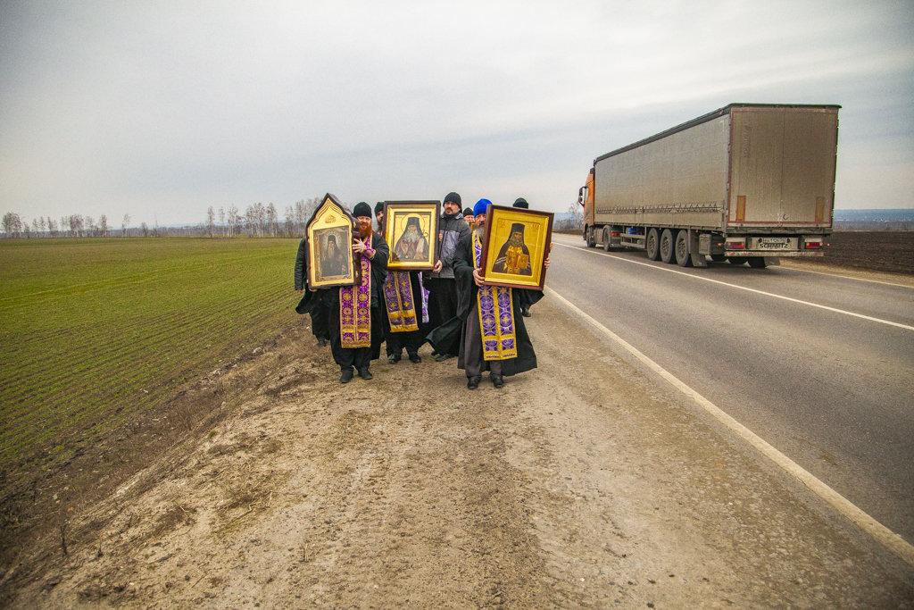 В Тамбовской области провели автомобильный крестный ход против коронавируса, фото-6