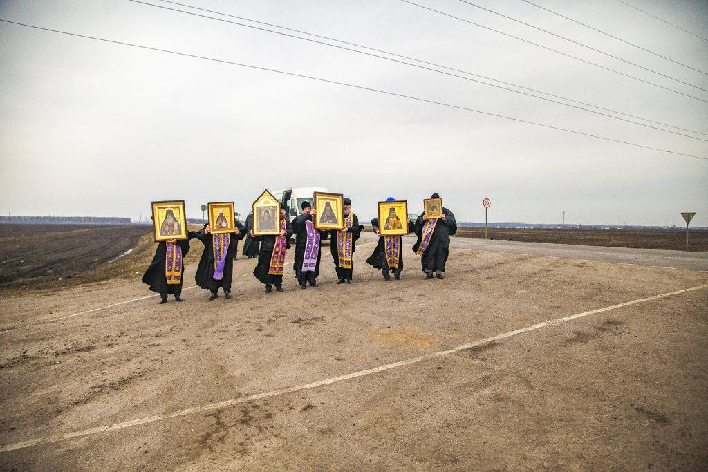 В Тамбовской области провели автомобильный крестный ход против коронавируса, фото-7