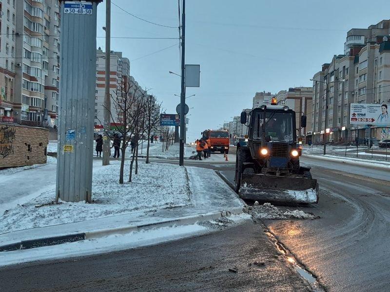 В Тамбове проводят масштабную уборку улиц после зимы, фото-1