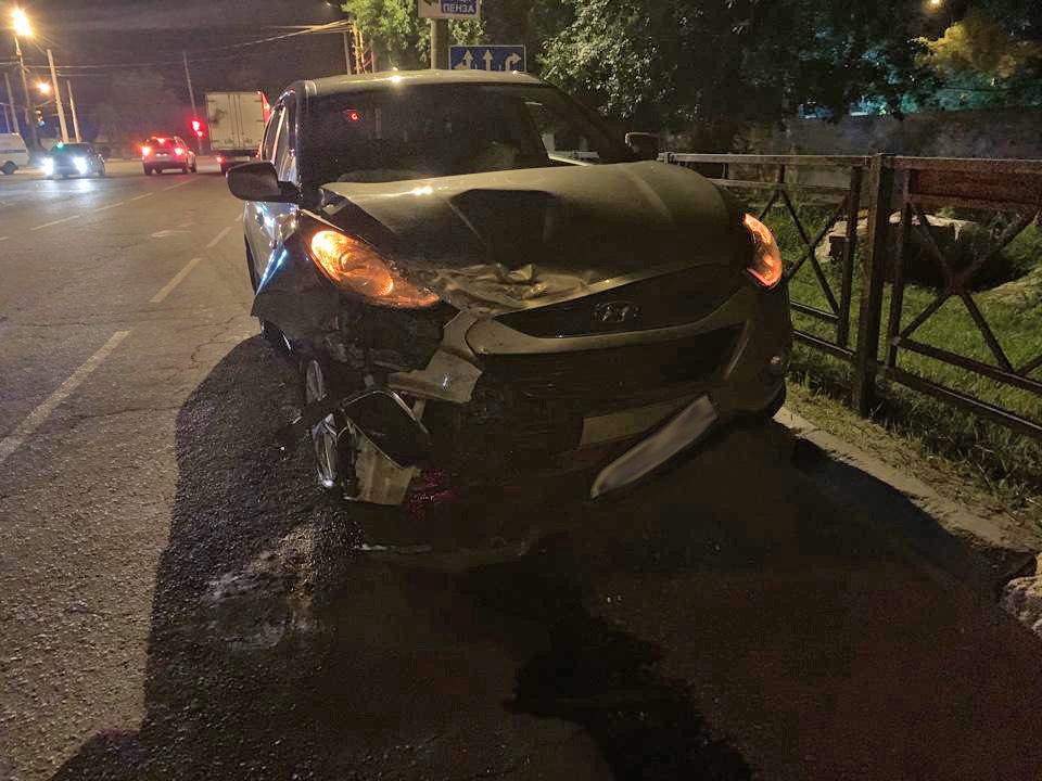 В Тамбове легковая «Hyundai» врезалась в такси: две девушки в больнице, фото-1