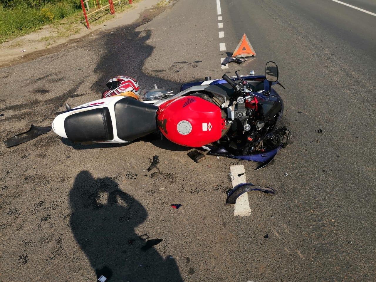 В Тамбовском районе мотоциклист без прав протаранил легковушку, фото-2