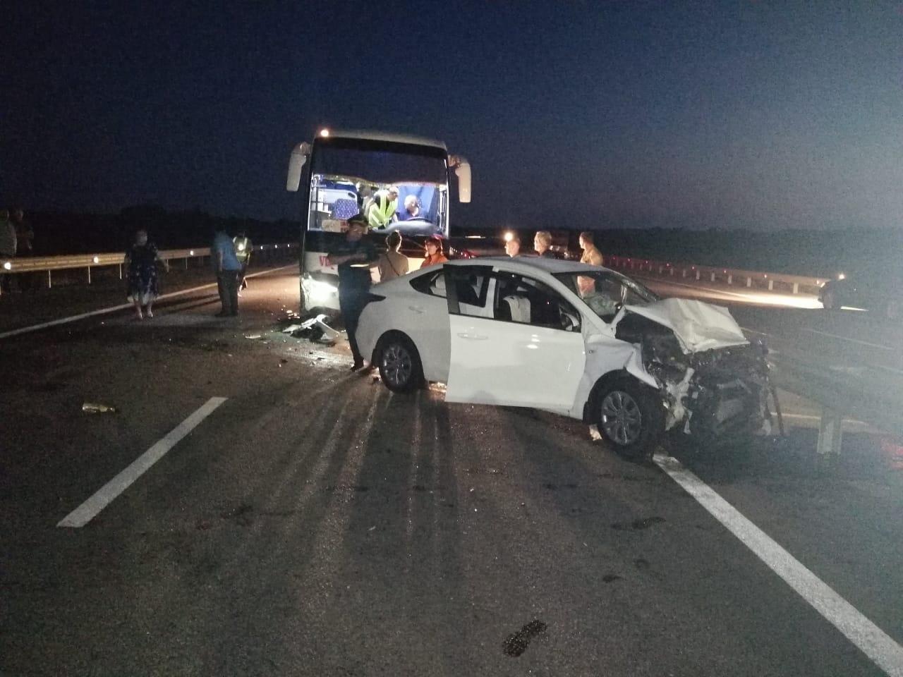 В Тамбовской области легковушка врезалась в пассажирский автобус, фото-2