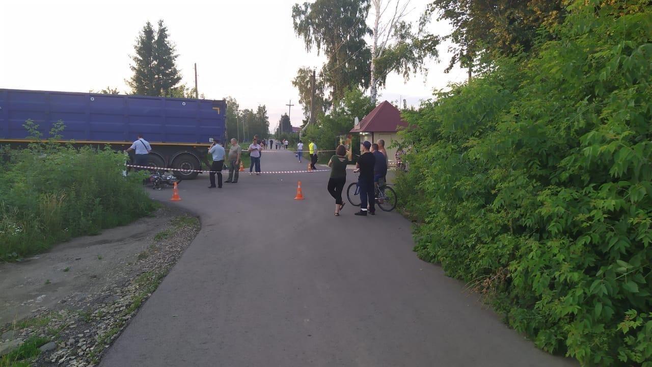 В Мичуринске столкнулись мопед и грузовик: двое подростков погибли, фото-2