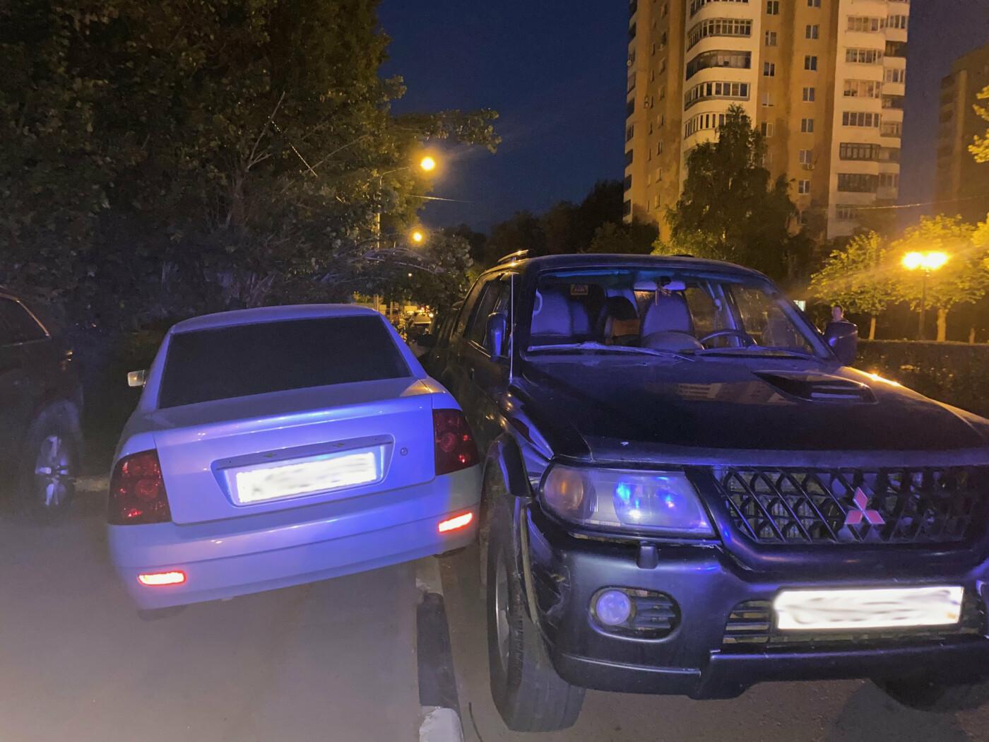 В Тамбове пьяный водитель разбил три автомобиля и снес столб, фото-3