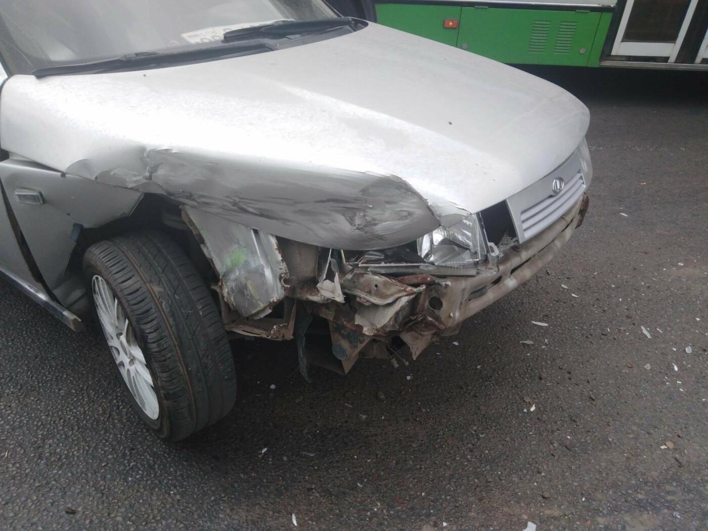 В Тамбове легковушка врезалась в пассажирский автобус, фото-2