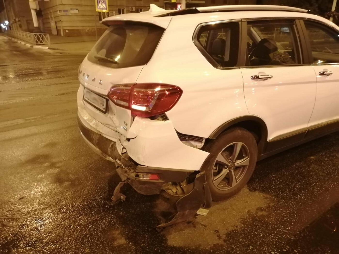 В центре Тамбова на одном из аварийных перекрестков произошло ДТП, фото-1