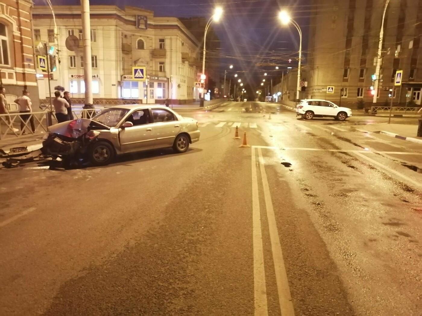 В центре Тамбова на одном из аварийных перекрестков произошло ДТП, фото-2